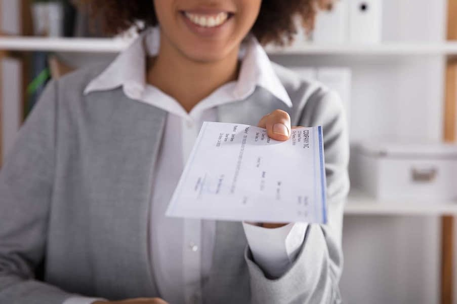 Check Cashing Benefits for Small Business Owners